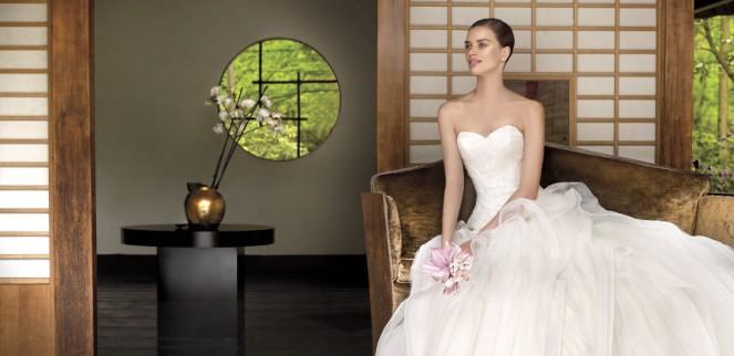 Фото платьев с открытой грудью